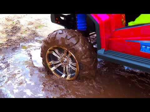 BABY accident Stuck in the mud TOWING Ride on POWER WHEEL QUAD BIKE and Tractor