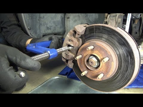 Front brake pads replacement (2001-2004 Ford Escape)