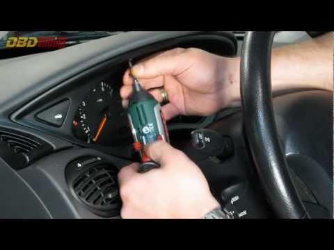 How to remove a Ford Focus instrument cluster [HD]