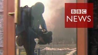 Under sniper fire in Ukraine uprising - BBC News