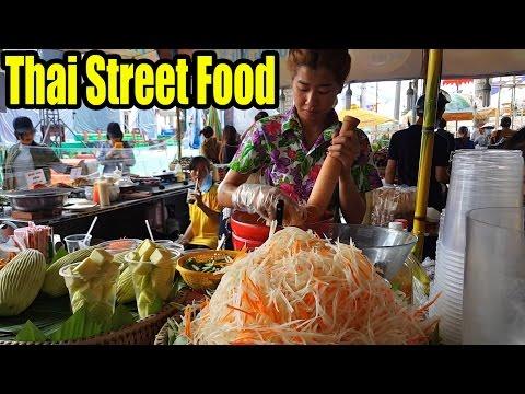 Papaya Salad - Thai Street Food - Goi Du Du Ba Khia Thailand