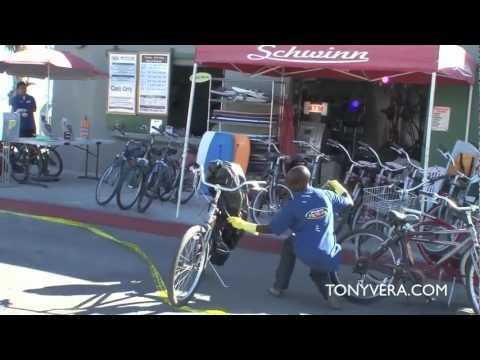 LAPD And Lifeguards Work To Remove Dangerous Swarm Of Bees From Rental Bike Shop