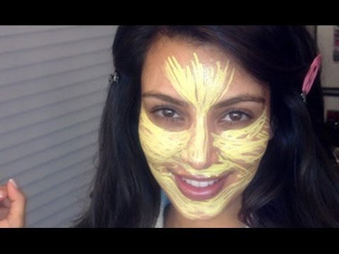 KIM KARDASHIAN AND THAT YELLOW PRIMER!!!!