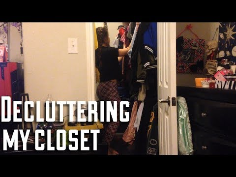 Decluttering/ cleaning out my closet