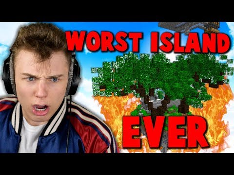 ROASTiNG UGLY SKYBLOCK iSLAND OWNED BY HATER... ( Minecraft Skyblock )