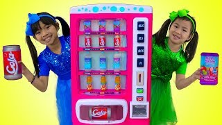 Download Emma & Jannie Pretend Play w/ Pink Vending Machine Soda Kids Toys Video
