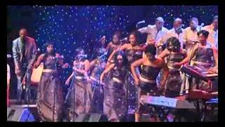 Spirit Of Praise 3 feat. Benjamin Dube - Ketshepile Wena