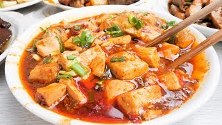 One of the BEST Chinese Street Food Joints in Chengdu, China   BEST Chinese Cooking and Mapo Tofu!