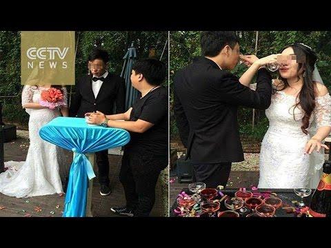 """Woman holds """"break-up wedding"""" to dump lying married boyfriend"""