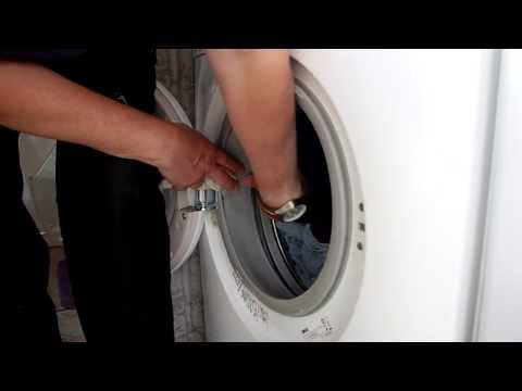How to clean your washing machine when your whites come out dirty