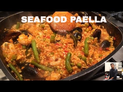 DELICIOUS SEAFOOD PAELLA | QUICK & EASY