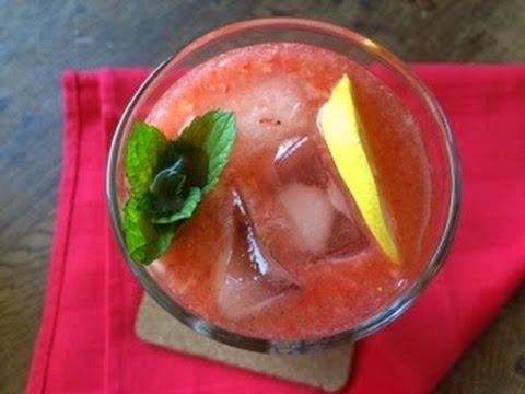 Strawberry Lemonade - Episode 29 - Baking with Eda