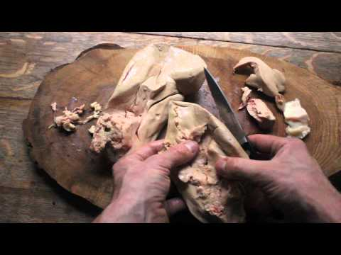 Cleaning a whole lobe of foie gras