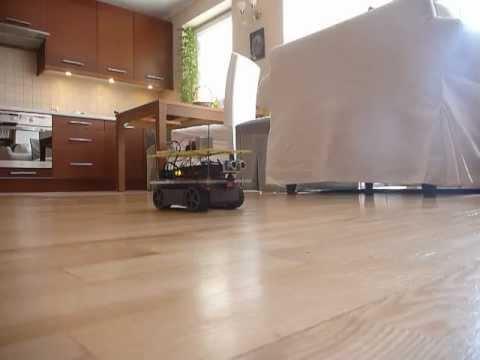 Arduino autonomous robot with distance sensor