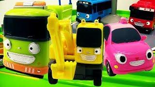 Helfer Autos auf Deutsch  🚒🚌 Spielspaß mit #Spielzeugautos 🚘 Helper Cars 🚃 Video für Kinder