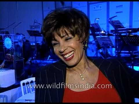 Shirley Bassey, Welsh singer performs a song on diamonds at Amfar festival 2001