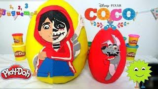 Huevo Sorpresa Gigante de Coco La Película de Miguel y Dante en Español de Plastilina Play Doh