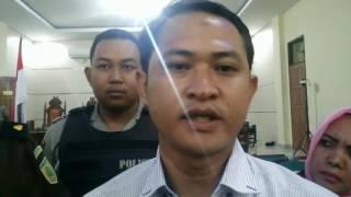 lagi istri anggota dprd yang dimutilasi mengamuk di pengadilan