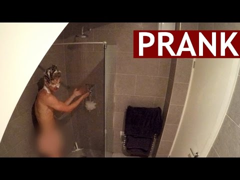ROOMMATE SHOWER PRANK