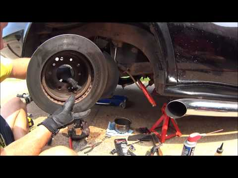 Rear Brakes C3 Corvette  Rebuild with O Ring Seal and Powder Coat Pt 1