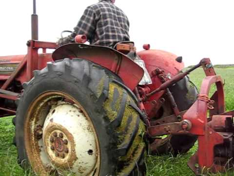 Cutting Hay With the IH B414 and Finger Bar Mower- For Fun!