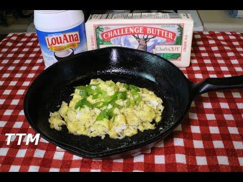 Making Scrambled Eggs~Butter vs Coconut Oil