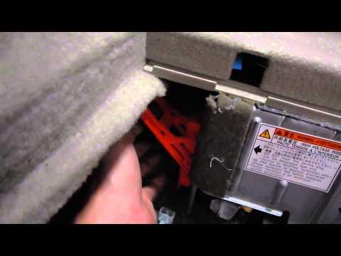 Prius Service Safety Plug Installation P0A0D