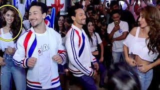 Disha patani Feeling Shy In front Of Tiger Shroff Tiger And Disha Live Dance har ghut me swag hai