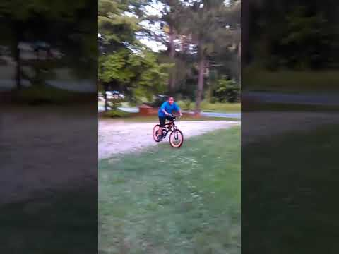 Lil couz popping a Wheely for nay~nay...