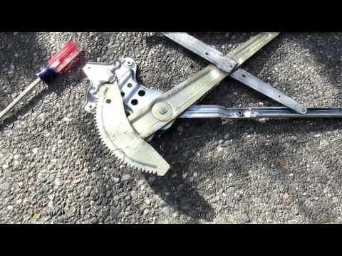 Replacing the Power Window Motor - 2000 Toyota Sienna