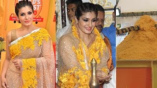 Raveena Tandon Visits Andheri Cha Raja And Unveils World