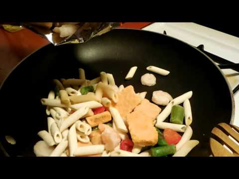 how to....bertolli, shrimp, penne, and asparagus!!!!!!!!