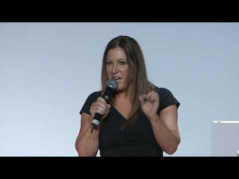 How Americans view Islam | Leslie Marshall | TEDxAsfi