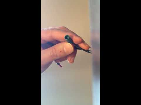 HOW TO FIX  OR REPAIR CHRISTMAS LIGHT IN 2 MINUTES WITHOUT NO TOOLS