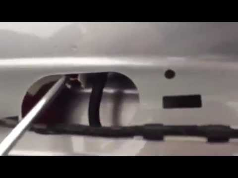 Ford S-MAx 2006 2007 , How to replace the upper brake light