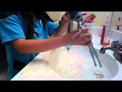 doll series: how to wash your monster high dolls hair