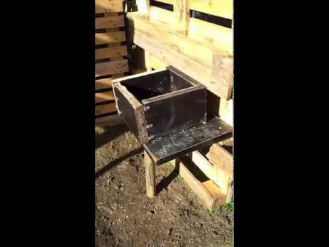 Make a Horse Stall and Wood Fence using Wood Pallets / Palettes de Bois