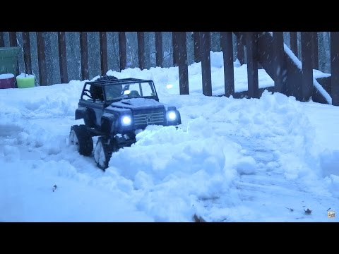 Goodbye Snow Shovel! RC Plowing Snow SCX10 4x4 RC Snow Plow Truck With Kitten