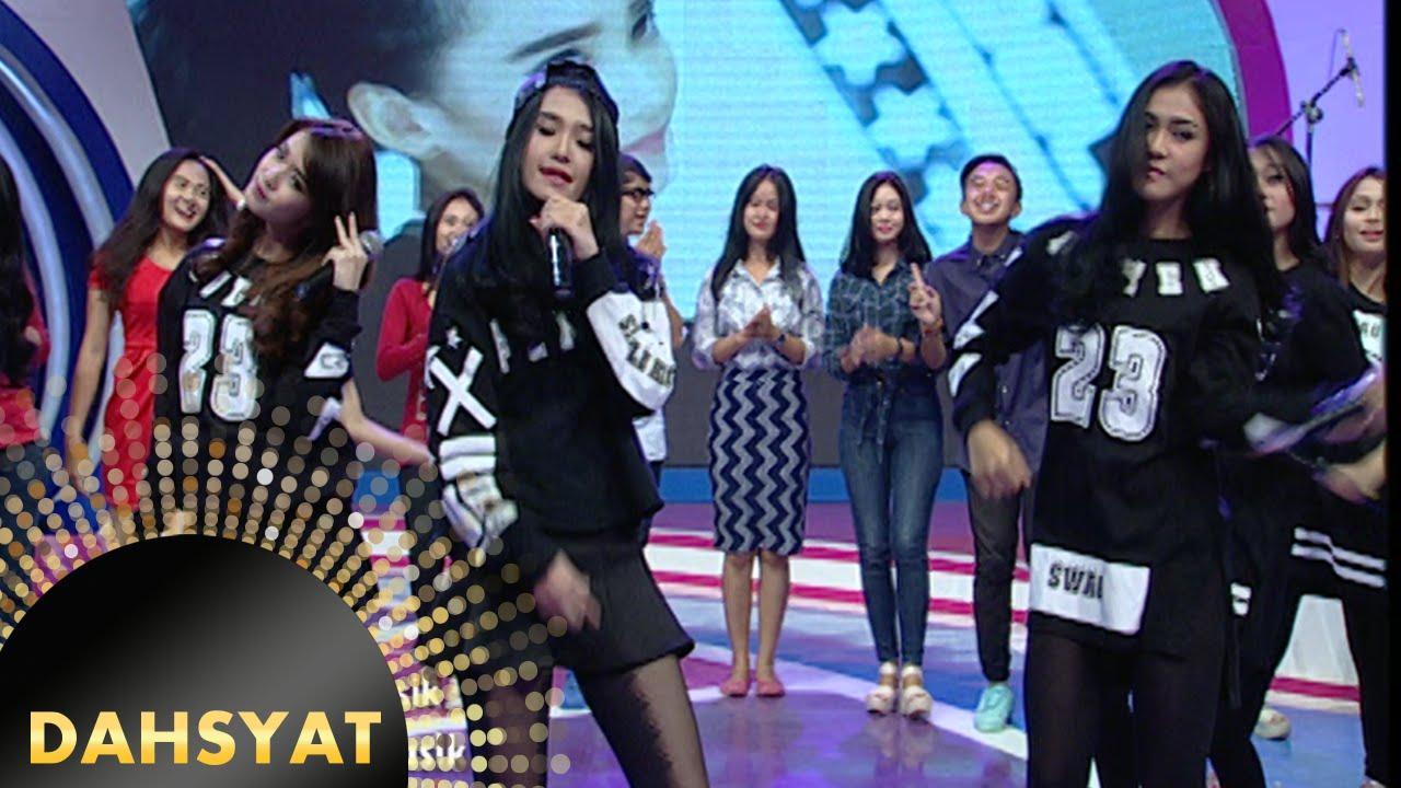 Imutnya Penampilan Cherrybelle Feat Adila 'I Am Super Swag' [Dahsyat] [4 Januari 2016]