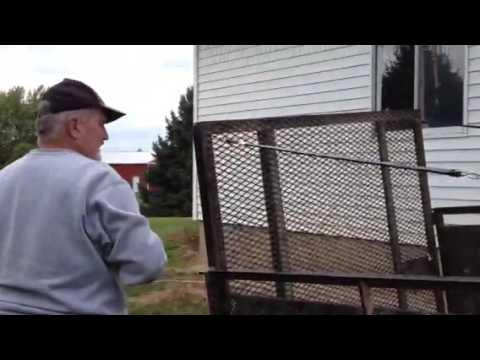 Polish poor man's tailgate lift assist