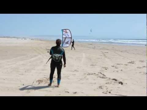 Launching a Kiteboarding Kite - Learn to Kiteboard