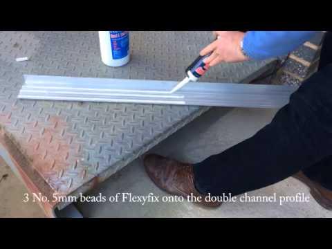 Flexyfixing nosing to a metal step