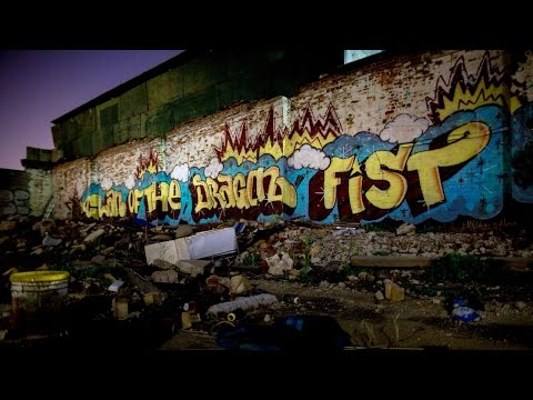 The Real-Life Grafitti Artist of 'The Get Down' Tags the Set