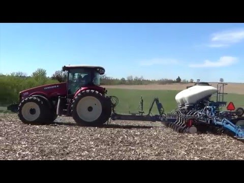 Planting Soybeans in Wisconsin - May 2016