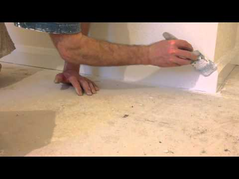 Painting & decorating. How to gloss skirting boards, , Trade secrets.