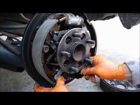 2007 Toyota Sienna rear brake repair.