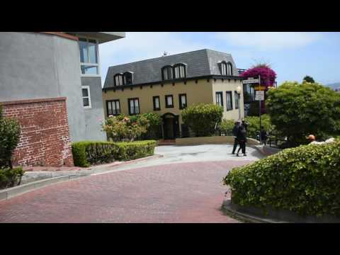 Trip down Lombard Street on the Go Car tour