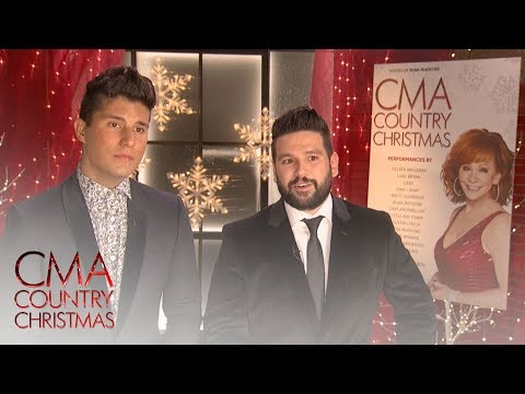 CMA Country Christmas Quiz: What does Gloria In Excelsis Deo Mean? | CMA