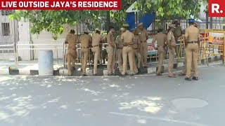 TTV Aide Stopped By Cops Outside Jayalalithaa