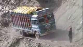 LEH LADAKH, INDIA, MUST WATCH SKILL FULL DRIVING IN ZOJILA PASS, VIDEO BY PRASHANT OAK, NAGPUR